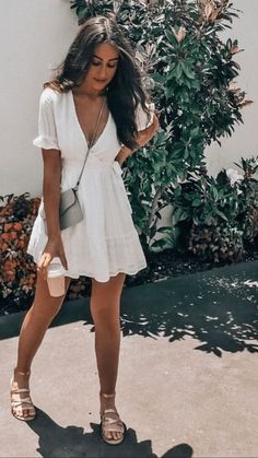 45 catchy summer outfits that impress everyone - Sommer-Strand-Outfit - Summer Dress Outfits Trendy Summer Outfits, Cute Summer Dresses, Cute Dresses, Casual Outfits, Dress Summer, Summer Brunch Outfit, Brunch Dress, Weekend Dresses, Outfit Ideas Summer