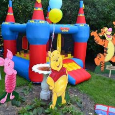 Winnie the Pooh theme birthday party. Hundred Acre Wood.