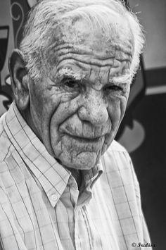 El hombre de la triste mirada by Frabisa, via Flickr