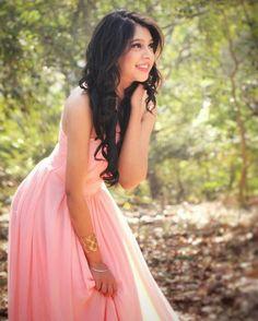 Beautiful Girl Photo, Beautiful Girl Indian, Stylish Girls Photos, Girl Photos, Niti Taylor, Frocks For Girls, Girl Photography Poses, Celebs, Celebrities