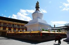 Do-Drul Chorten in Gangtok was built in 1945 by the Nyingma order of Tibetan Buddhism