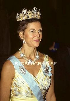 Queen Silvia wore this tiara for a dinner in 1990.