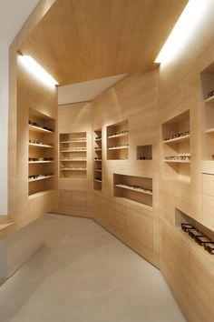 La Galerie de Lunettes optics by Dumazer & Lafallisse Architectes, Paris store design