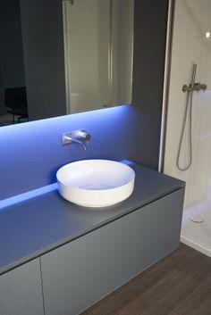 Lavabo: Lavabo Bolo da Antonio Lupi | Design: Mario Ferrarini | Anno: 2014 | Materiali: #Ceramilux | #bagno #design #salonedelmobile #isaloni #MilanoDesignWeek #trend |