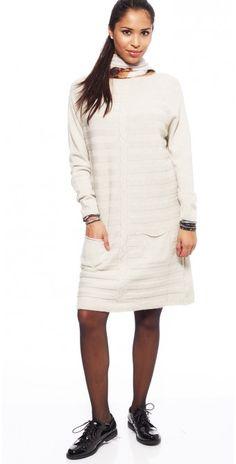 LikeLondon offwhite klänning i cashmirmix 6d236719bbbc7