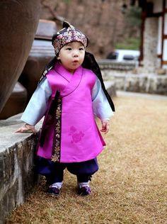 ¿POR QUÉ SOMOS MÁS VIEJOS EN COREA? | Mundo Fama Corea