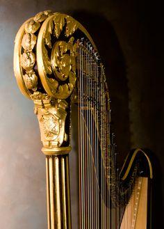 Erard pedal harp, circa late 1800's - H. Bryan & Co. » Erard 2470 Scroll Top