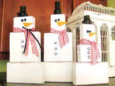 Make wood block snowmen family with   2 x 4s