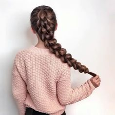 "Luxy Hair (@luxyhair) no Instagram: ""The braiding possibilities are endless when you have long hair ✨ If you aren't blessed with long…"""