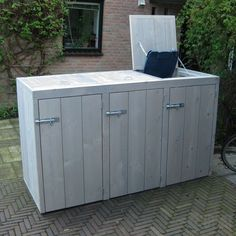 Discover recipes, home ideas, style inspiration and other ideas to try. Garbage Can Storage, Garbage Shed, Storage Bins, Patio Storage, Outdoor Projects, Garden Projects, Outdoor Decor, Outdoor Jobs, Bin Shed