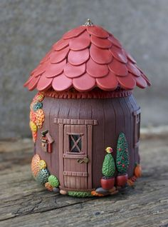 120 Easy And Simply To Try DIY Polymer Clay Fairy Garden Ideas. Polymer clay is a clay like material made from polyvinyl chloride (PVC), plasticizer and pigment. Polymer Clay Fairy, Fimo Clay, Polymer Clay Projects, Polymer Clay Creations, Clay Fairy House, Fairy Houses, Clay Jar, Fairy Jars, Clay Fairies