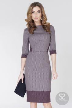 Стильное офисное платье из шерстяной ткани с ярким красным подкладом | Skazkina