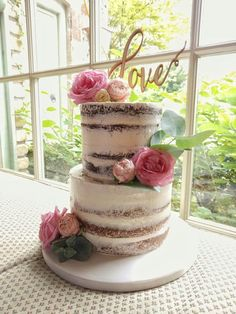 INSPO - two tier semi frosted cake 2 Tier Wedding Cakes, Wedding Cake Rustic, Rustic Cake, Wedding Cake Designs, Wedding Cake Frosting, Nake Cake, Two Tier Cake, Wedding Cake Fresh Flowers, Engagement Cakes