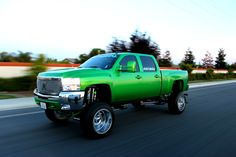 Chevy duramax, hmmm, and in my favourite colour