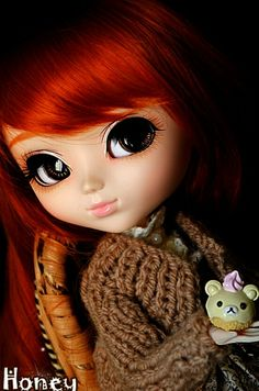 Happy B-day Novisculis! Happy B Day, Blythe Dolls, Creative Design, Disney Princess, Fashion Design, Happy Brithday, Happy Birthday, Happy Aniversary, Disney Princesses