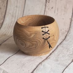 Cool Wood Projects, Lathe Projects, Wood Turning Projects, Wood Turned Bowls, Wood Bowls, Turned Wood, Wood Turning Lathe, Wood Lathe, Router Wood