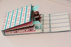 Love this little accordian book that you can make yourself!! Tutorial