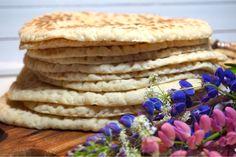 Samiskt tunnbröd - Victorias provkök Savoury Baking, Vegan Baking, Bread Baking, Candy Drinks, Bokashi, Breakfast Bites, Bread Cake, Delicious Fruit, Candy Recipes