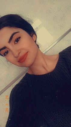 Cigarette Girl, Cute Muslim Couples, Fake Girls, Cute Girl Poses, Cute Girl Photo, Cute Love Songs, Girls Dpz, Aesthetic Girl, Girl Photos