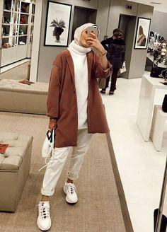 حجاب ملابس بنات محجبات hijab hijab fashion hijabers hijab sty… – Tesettür Ayakkabı Modelleri 2020 – Tesettür Modelleri ve Modası 2019 ve 2020 Hijab Fashion Casual, Street Hijab Fashion, Casual Hijab Outfit, Hijab Chic, Muslim Fashion, Casual Outfits, Fashion Outfits, Fashion Fashion, Hijab Street Styles