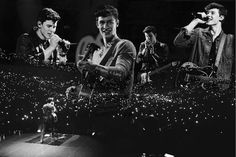 Shawn Mendes Illuminate tour photo edit by Annelie van Lare