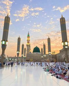 Al Masjid An Nabawi, Make Up Time, Madina, Mosque, Allah, Taj Mahal, New York Skyline, Dolores Park, Places To Visit