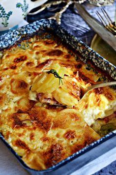 Krémes, francia rakott burgonya – Rupáner-konyha Potato Dishes, Potato Recipes, Vegetable Recipes, Hungarian Recipes, Italian Recipes, Cooking Recipes, Healthy Recipes, Recipes From Heaven, Light Recipes