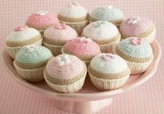 knitted cupcake by little cotton rabbits, Julie Williams Pastel Cupcakes, Heart Cupcakes, Mini Cupcakes, Pretty Cupcakes, Cupcake Favors, Cupcake Bakery, Cupcake Art, Knitting Projects, Knitting Patterns