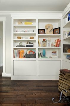 Maybe the letter G on my living room bookshelves Bookshelves In Living Room, Decorating Bookshelves, Bookshelf Wall, Bookshelf Styling, Book Shelves, Living Rooms, Ikea Billy Bookcase Hack, Billy Bookcases, Markova