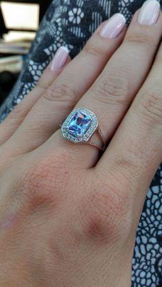 """Iren V.:  - """"Юнона"""" лавандовая. Давно хотела кольцо с боооольшим камнем, но, учитывая мои скромные габариты выбор был непростым..."""