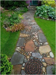 enchanting mosaic pebble pathway. See more and learn how to make your own HERE: http://vbelleblog.com/2015/08/11/make-a-mosaic-walkway/