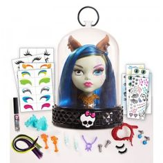The Monster High Gore-geous Ghoul Anti-Styling Head comes with 33 hair and makeup accessories to style and customize your ghoul.