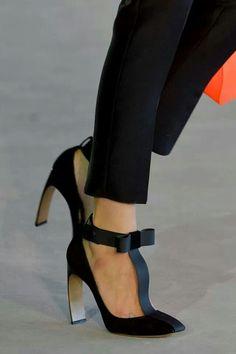 ♥ wow that heel so thin