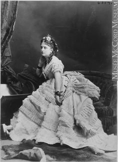 Photograph Miss Dolton, Montreal, QC, 1871 William Notman century Silver salts on paper mounted on paper - Albumen process x cm Purchase from Associated Screen News Ltd. Antique Photos, Vintage Photographs, Old Photos, Vintage Photos, 1870s Fashion, Edwardian Fashion, Vintage Fashion, Women's Fashion, Victorian Life