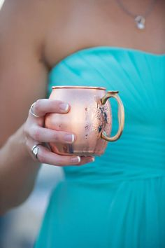moscow mules | signature drinks served in copper mugs | White Dress Events