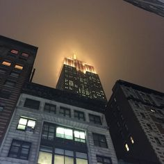 couragepassion1985:Empire State Building disappeared in the...