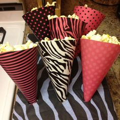 Treat cones pink and black party
