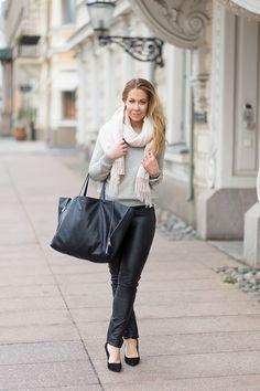 Alexa Dagmar: Scarf, Gray sweater, Leather pants, Black leather bag, Black pumps