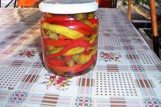 Ardei Bulgaresti la Borcan | Retete Culinare - Bucataresele Vesele Canning Pickles, Sauces, Vegetables, Cooking, Recipes, Food, Canning, Kitchens, Kitchen