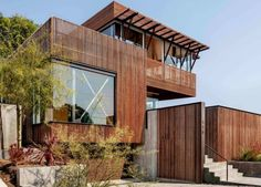Santa Barbara home features natural climate control