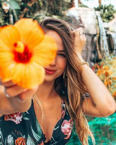 Excellent Photography Tips For Shooting Great Photos – Photography Portrait Photography Poses, Photography Poses Women, Summer Photography, Creative Photography, Photography Tips, Grunge Photography, Photography Courses, Urban Photography, Forensic Photography
