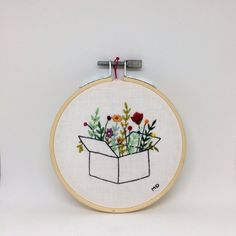 Etsy Embroidery, Hand Embroidery Projects, Embroidery Flowers Pattern, Simple Embroidery, Hand Embroidery Stitches, Modern Embroidery, Embroidery Hoop Art, Hand Embroidery Designs, Geometric Embroidery