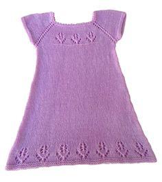 A ruha másfél-két éves kislányokra van méretezve.  Könnyedén átszámolhatjuk a ruhát a munkamenetek alapján  kissebb nagyobb méretre. Baby Smiles, Lany, Merino Wool, Crochet, Sweaters, Fashion, Toddler Girl Dresses, Hipster Stuff, Moda