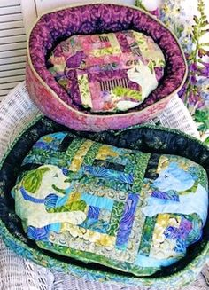 Pieceful Pet Beds Pattern by Java House Quilts at KayeWood.com
