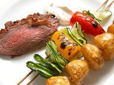 Okseculotte med grillede grøntsager og bearnaisedip (Recipe in Danish)