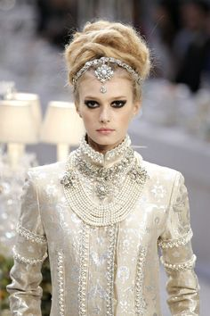 201228-metiers-dart-show-for-chanel-fashion-house-in-paris