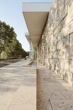 Ara Pacis Museum [by Richard Meier