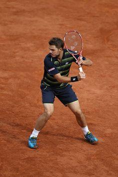 . Sport Tennis, Soccer, Stan Wawrinka, Tennis Photos, Poses, Tennis Players, Tennis Racket, Athletes, Cheerleading
