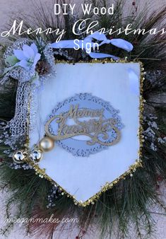 DIY Glittery Merry Christmas Sign - What Meegan Makes Merry Christmas Sign, Christmas Wood, Old Wood Signs, Mesh Ribbon, Glitter Ribbon, Monogram Signs, Diy For Kids, Christmas Decorations, Diy Projects