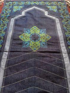 Sajadah Jeans, Sebuah produk inovasi sajadah dengan menggunakan bahan full jeans berkualitas tinggi & dibuat secara handmade dengan motif sajadah full bordir, Eid Ideas, Islamic Patterns, Prayer Rug, Ramadan, Sewing Crafts, Prayers, Patches, Arts And Crafts, Quilts